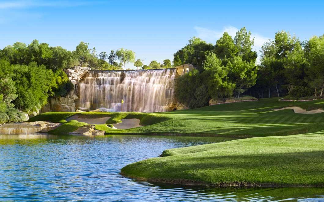 Wynn's Posh Vegas Golf Course Will Be Plowed Under