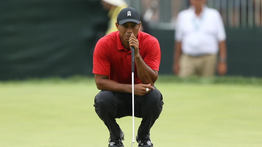 Tiger Woods Struggles On Sunday, Then Says