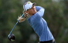 Amy Olson, LPGA Players Have Big Smiles At CME Globe