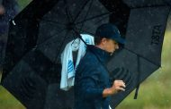 Jordan Spieth Finds An Early, Rainy Groove At Riviera