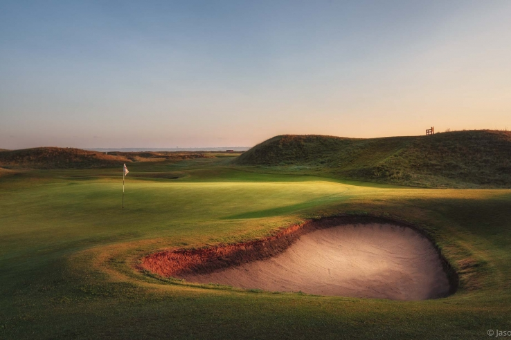 Pot Bunkers:  Clive Tucker Gives A Primer On Escaping From Them